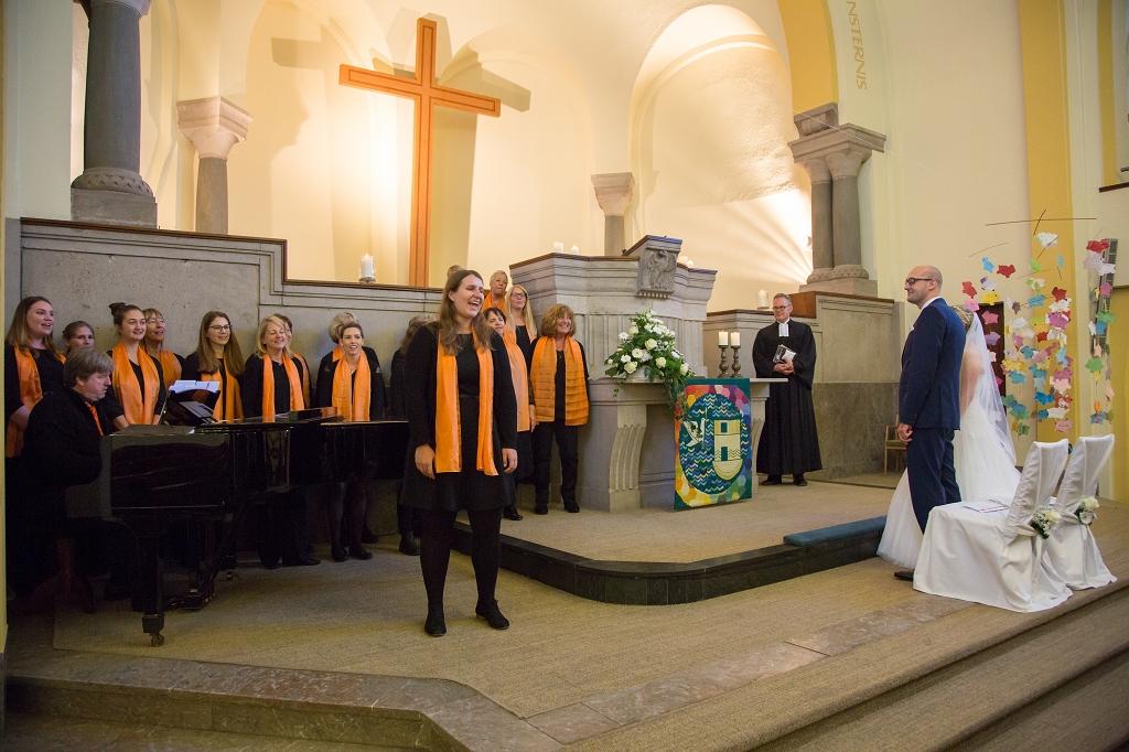 Ein ganz besonderer Auftritt, wenn die Braut ein Chormitglied ist